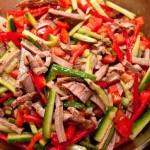 Салат из говяжьего сердца с овощами